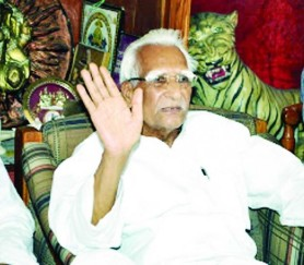 Former Madhya Pradesh Speaker Shriyut Sriniwas Tiwari died in Gurugram was known as white lion of MP