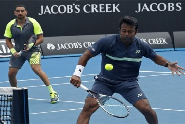 Leander Paes and Purav Raja lose in pre-quarters and out of the Australian Open