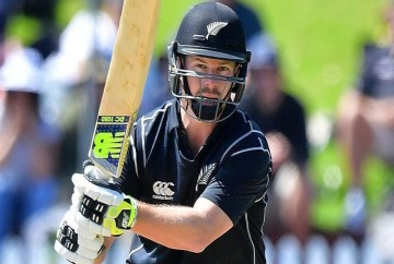 colin munro missed to equal fourth continue fifty in t20