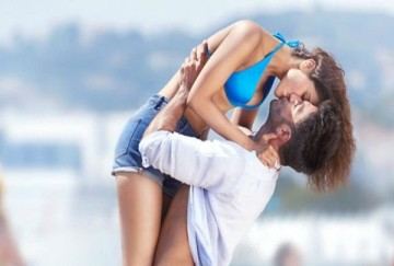 Reason Why Love Couples Kiss Each Other On Lips In Romantic Moment
