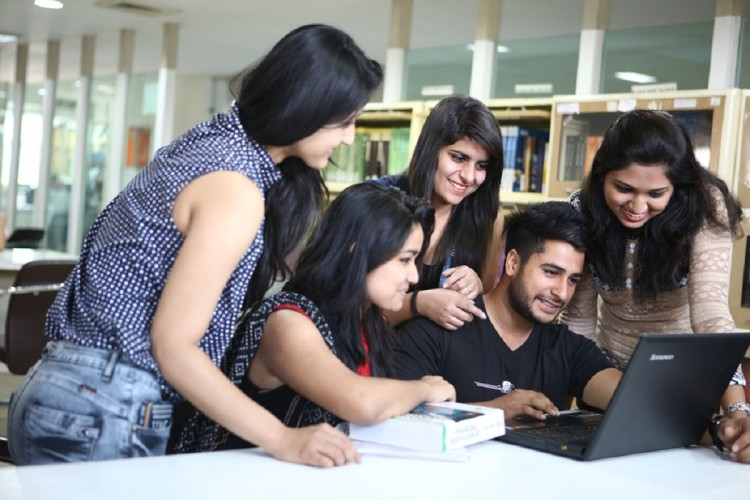 NEET 2018: CBSE released admit card, Download here