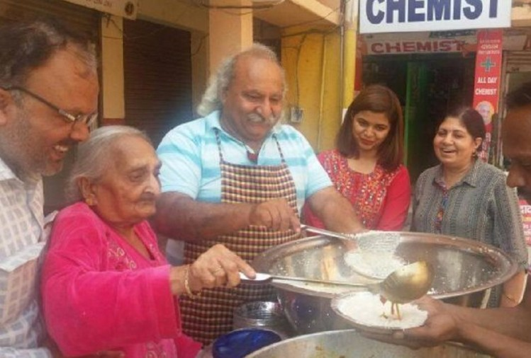 Dadi ki Rasoi - Anoop Khanna and Dadi serving food to poor people