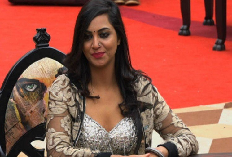 now arshi khan reply on bigg boss 11 winner shilpa shinde's liar comment