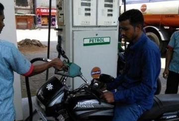 before opec country meeting petrol price cut by 2.25 rupees