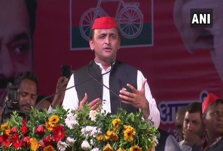 akhilesh yadav targets uttar pradesh government over farmers issue.