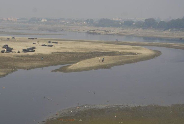 Water crisis due to ammonia growing in Yamuna, trouble for many days