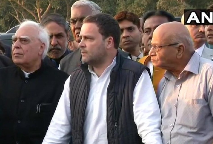 Rahul Gandhi and Opposition leaders met president ram nath kovind over Judge Loya death case