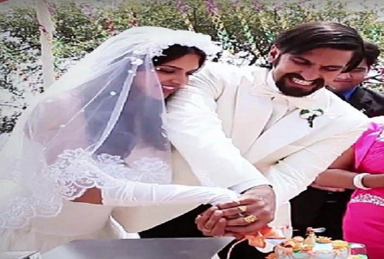 Ranveer Singh accepts marriage with Deepika Padukone is on his mind, rubbishes beech wedding rumor