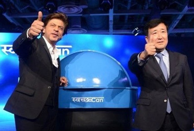 Shah rukh Khan promoted Prime Minister Narendra Modi's campaign swachh abhiyan at Auto Expo