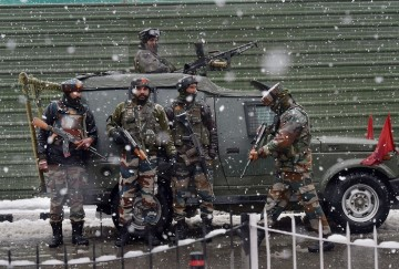 Encounter between Security forces and militants in Baramulla Jammu Kashmir, three gun down