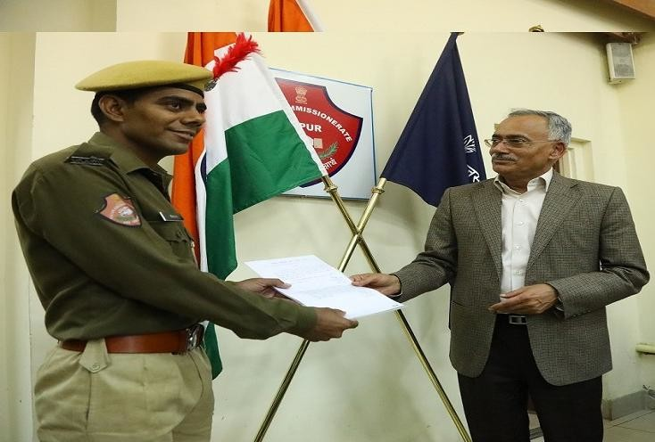 rajasthan police constable sitaram got special promotion by dgp galhotra, axis bank robbry case