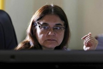 Supply ins pector goes on leave on getting scrolled by maneka