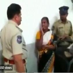 Video: पुलिस अधिकारी होकर महिला से किया अमानवीय व्यवहार, खाकी शर्मसार