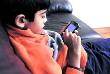 rehabilation clinics for children who are addicted to iphones and internet