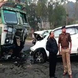 यूपी: बीजेपी विधायक लोकेन्द्र सिंह की सड़क हादसे में दर्दनाक मौत, ट्रक से भिड़ी कार