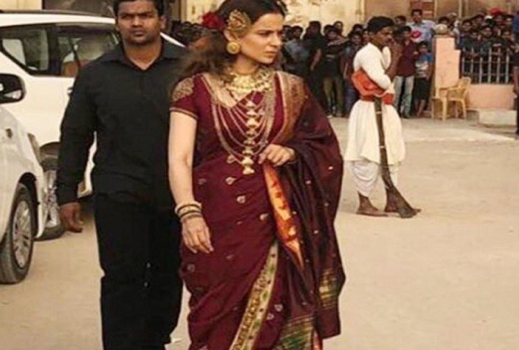 Kangana Ranaut new look from the sets of Manikarnika is out