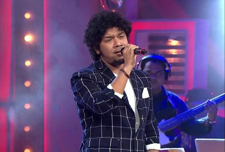 Bollywood singer Papon accused of forcibly kissing a minor girl
