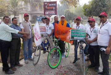 Cycle journey start to varanasi to save girl child