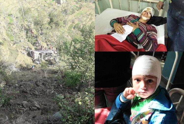 private bus falls in gorege near mandi 1 died 59 injured