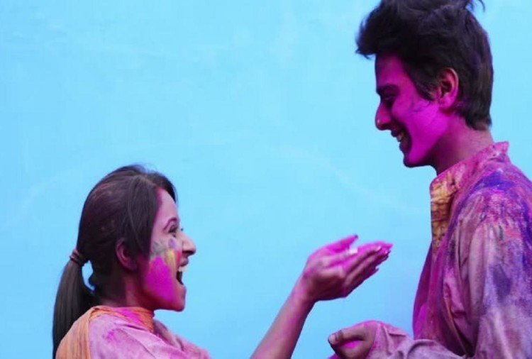 Holi 2018- this festival help in your life to get happiness