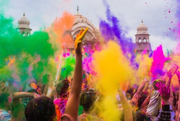 Happy Holi 2018: World Celebrate Indian Culture and tradition, the festival of Colours
