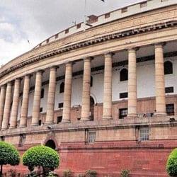 मानसून सत्र से पहले विपक्ष के कड़े तेवर, सत्ता पक्ष ने की धार कुंद करने की तैयारी