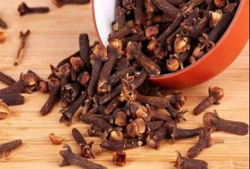 these five remedies of cloves are doing all the bad work