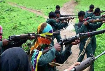 Jharkhand: villagers of latehar district beat to death maoist and hold another captive