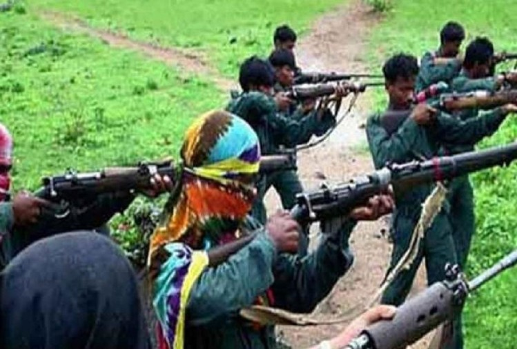 Maoists torched three buses and trucks and kill former policeman in Sukma