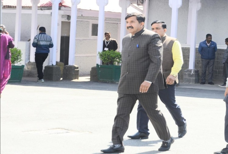 opposition party walk out during himachal assembly budget session