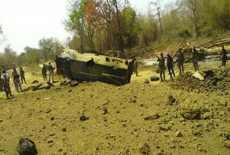 Naxalites landmine blast in Sukma, Chhattisgarh, 8 dead 4 seriously injured in encounter