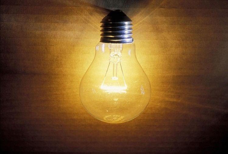 कोरोना संकट के चलते इस वर्ष बिजली दरें बढ़ने के आसार नहीं