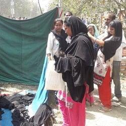 यूपीः CM योगी के कार्यक्रम में मुस्लिम महिलाओं से उतरवाया बुर्का, फिर अंदर जाने की दी इजाजत