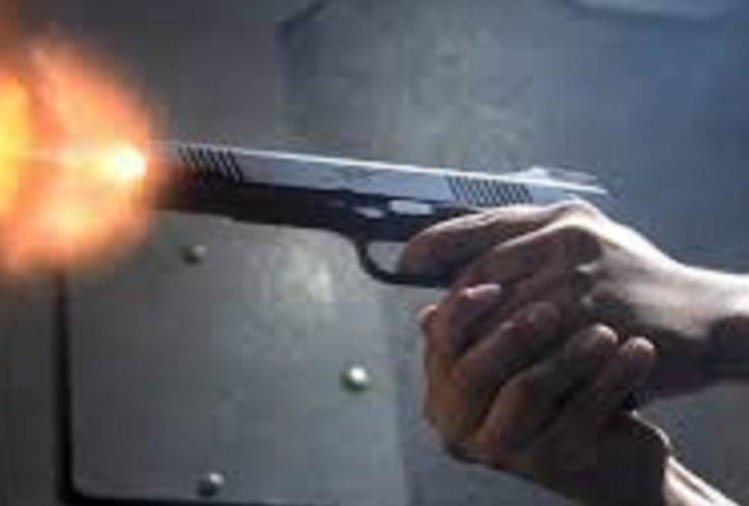 Attempt for murder of advocate in mau