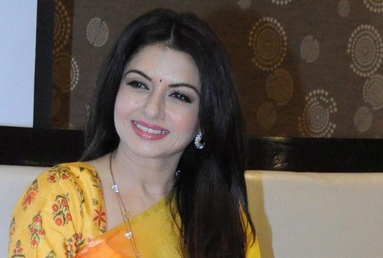 Bhagyashree To Madhuri Dixit These Bollywood Actress Flop After Their  Marriage - शादी के बाद भाग्यश्री का फिल्मी करियर पड़ गया था ठंडा, ये 4  एक्ट्रेस भी रहीं मैरिज के बाद फ्लॉप -