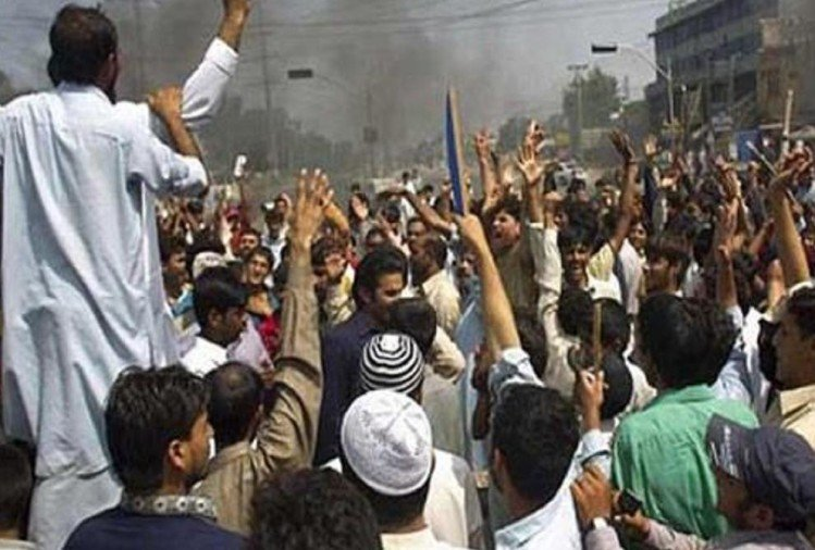Image result for पाकिस्तान में एक लाख पश्तून गवर्नमेंट के खिलाफ