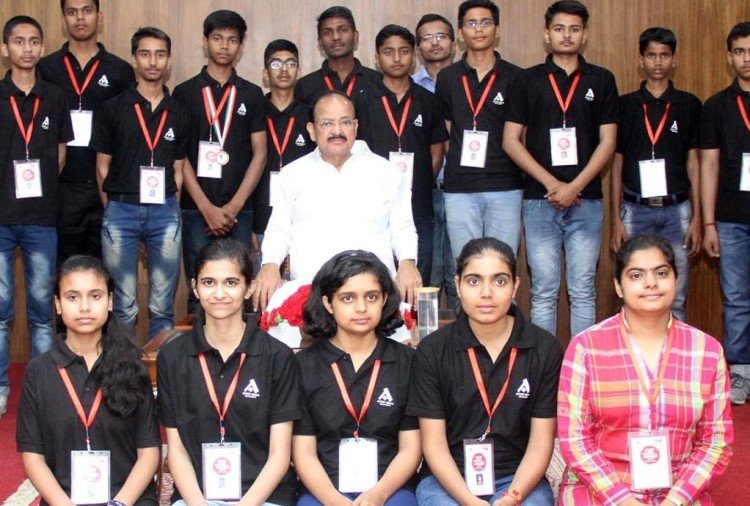 Atul Maheshwari Scholarship 2017: Successful Students get honoured from Vice President V. Naidu