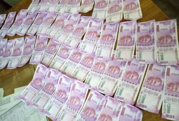 Fake currency worth one lakh rupee seized in 2000 rupee notes one arrested in mandi
