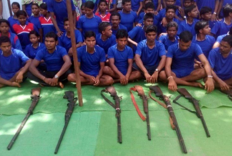 Chhattisgarh: sixty naxals surrendered in Abujmarh