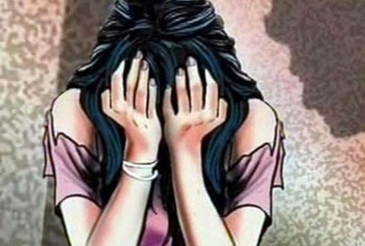 cop molested communication officer of up-100 in lucknow