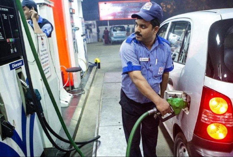 first time ever petrol prices goes beyond 75 rupees per litre in delhi diesel price also up