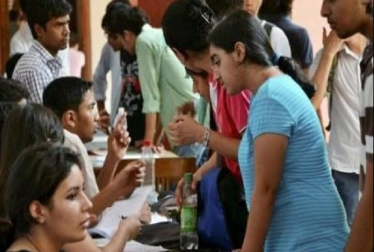 DU ADMISSION 2018- Professors and alumni will answer related to admissions questions