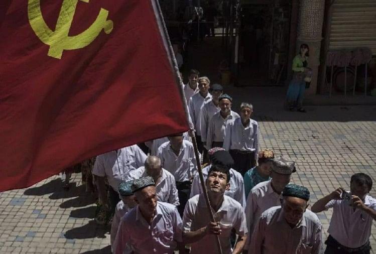 मुस्लिमों को जबरन वर्जित मांस और शराब पिला रहा चीन, किया जा रहा ब्रेनवाश