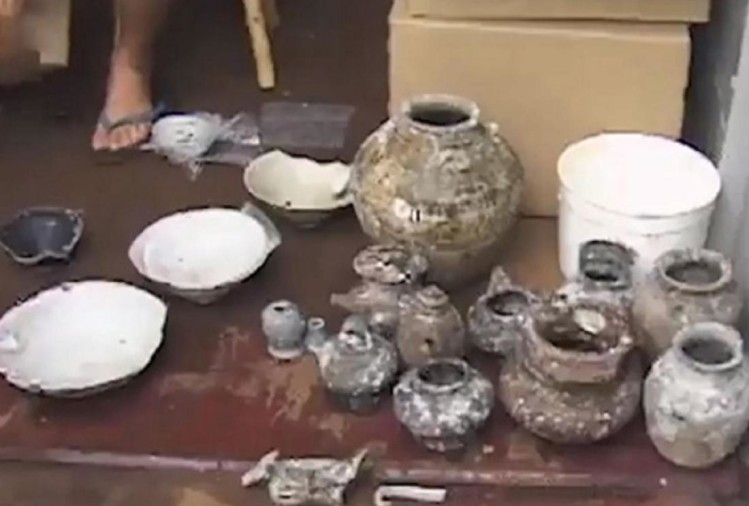800 years old 'made in china' label utensils found in java sea