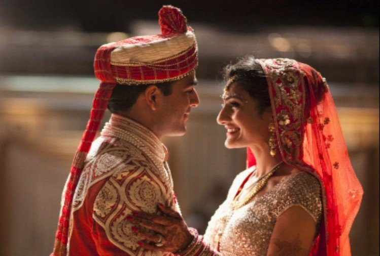 Astrology says Your birth date can predicts person will do love marriage or an arranged marriage