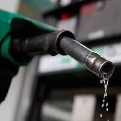 महंगाई की मार, मुंबई समेत देश के 13 शहरों में पेट्रोल 80 के पार