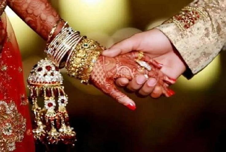 Image result for मध्यप्रदेश हाईकोर्ट का एलान: पत्नी को पति की सैलरी जानने का है हक