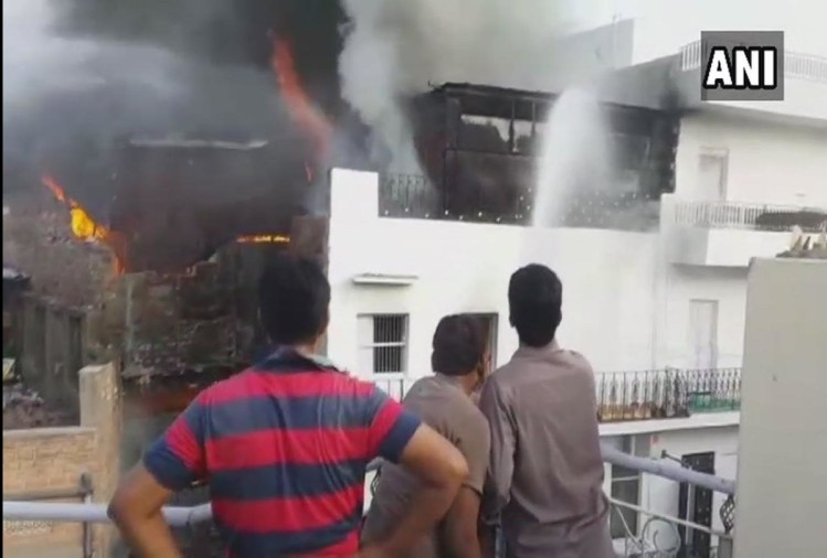 Rajasthan: Fire broke out at a plastic storage godown in Jodhpur, 20 fire tenders present at spot