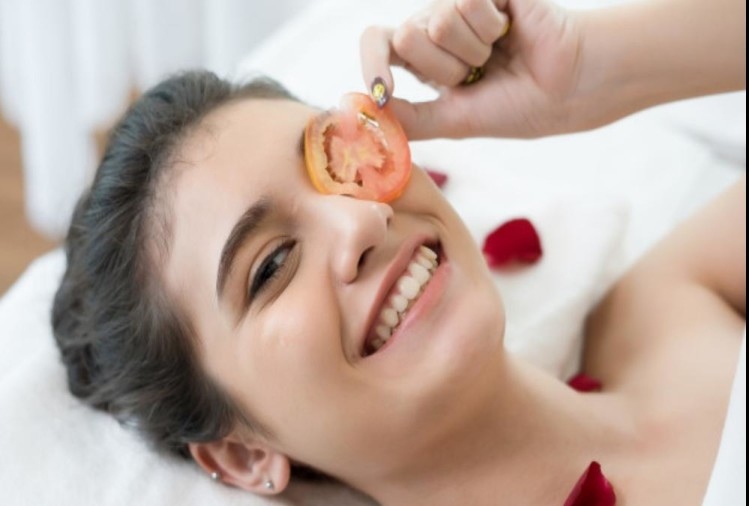 Tomato can cure sun tan and dullness of skin permanently