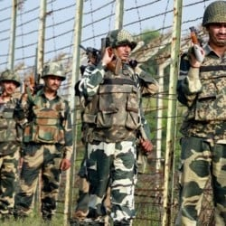 जम्मू-कश्मीरः पाकिस्तानी सेना ने किया सीजफायर उल्लंघन, अंतरराष्ट्रीय बॉर्डर से बीएसएफ जवान गायब